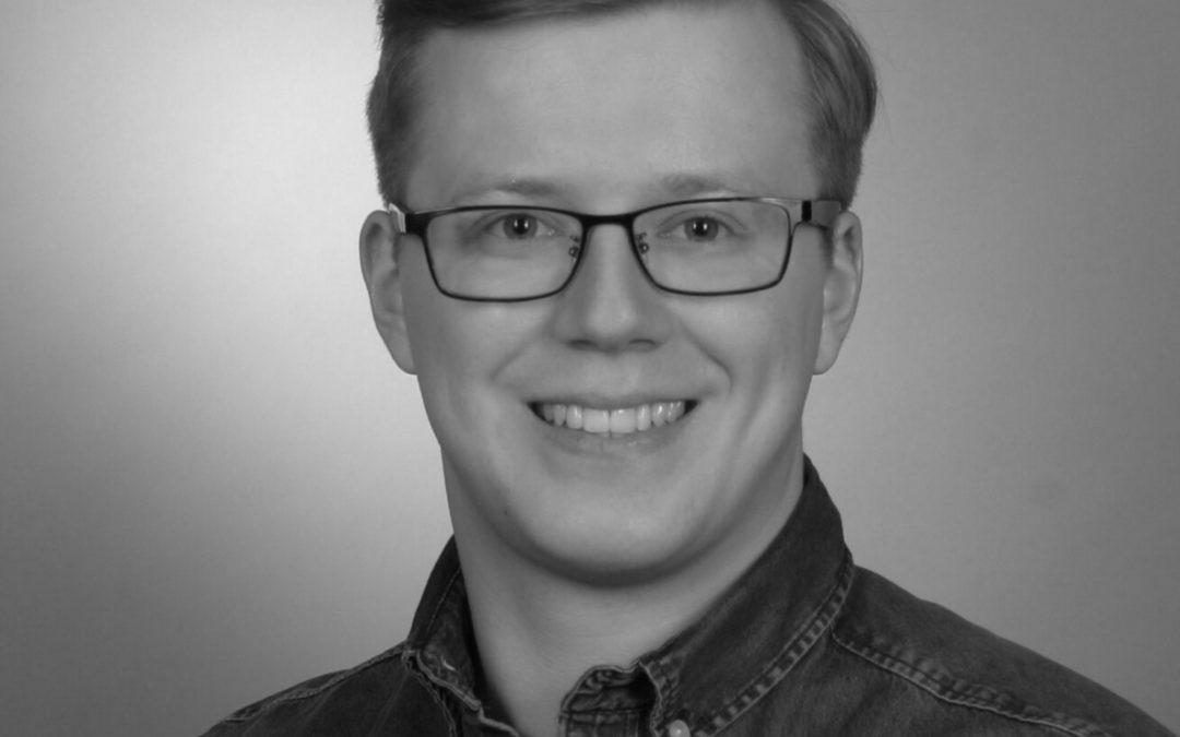 Fünf Fragen an Janek Tichy: Programmierer bei Helfen.Berlin